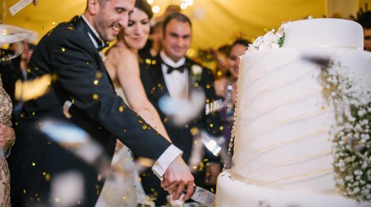 Choosing The Perfect Honeymoon: Choosing Your Wedding Cake