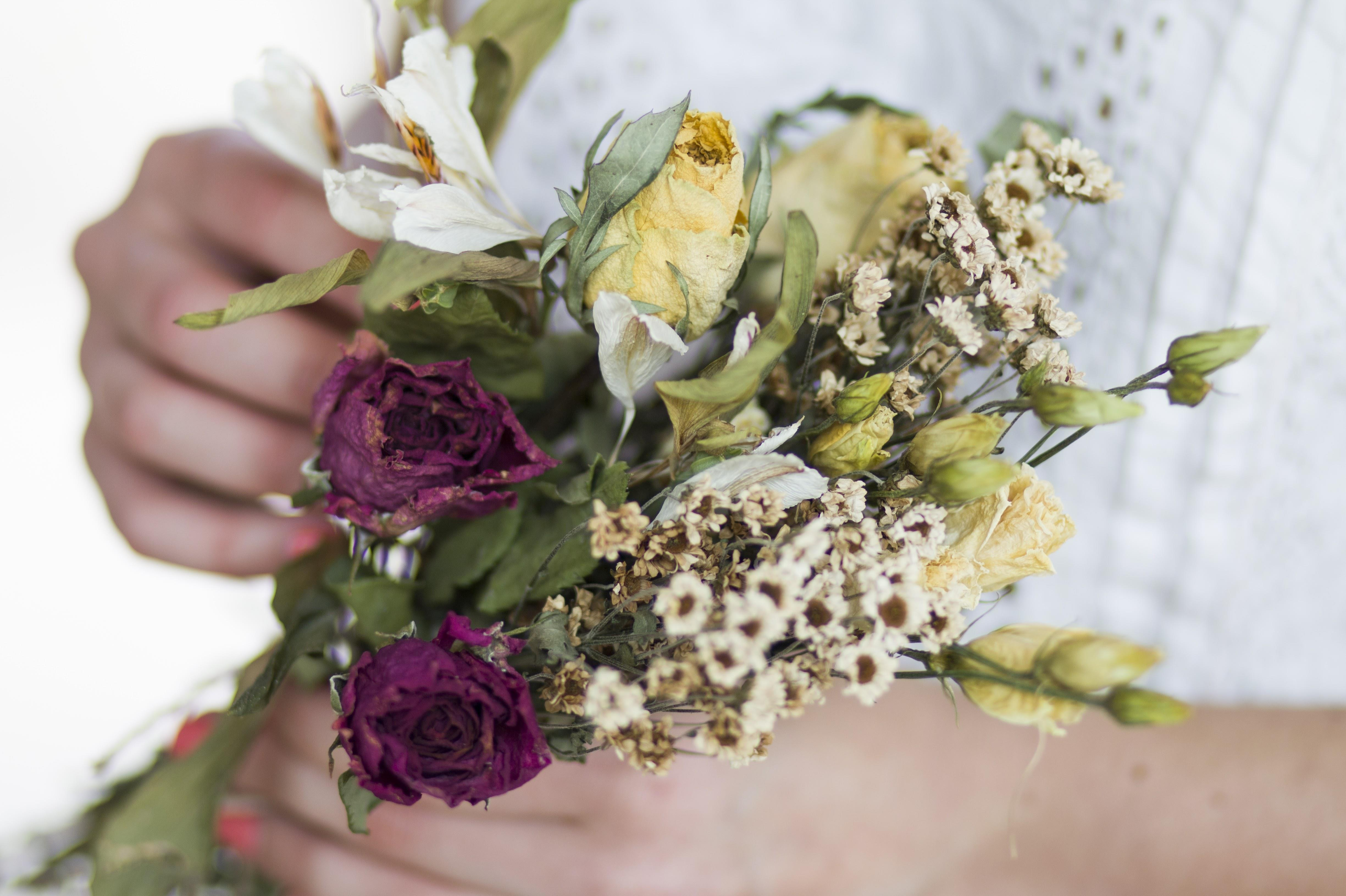 How To Drying Your Wedding Bouquet